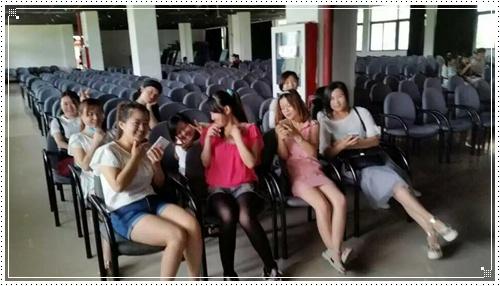 南京超妍美容化妆美甲学校受邀东南大学化妆实践-南京超妍学校