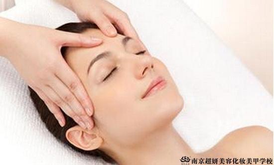 美容导师必知的肩颈知识 美容知识 南京超妍美容化妆美甲学校